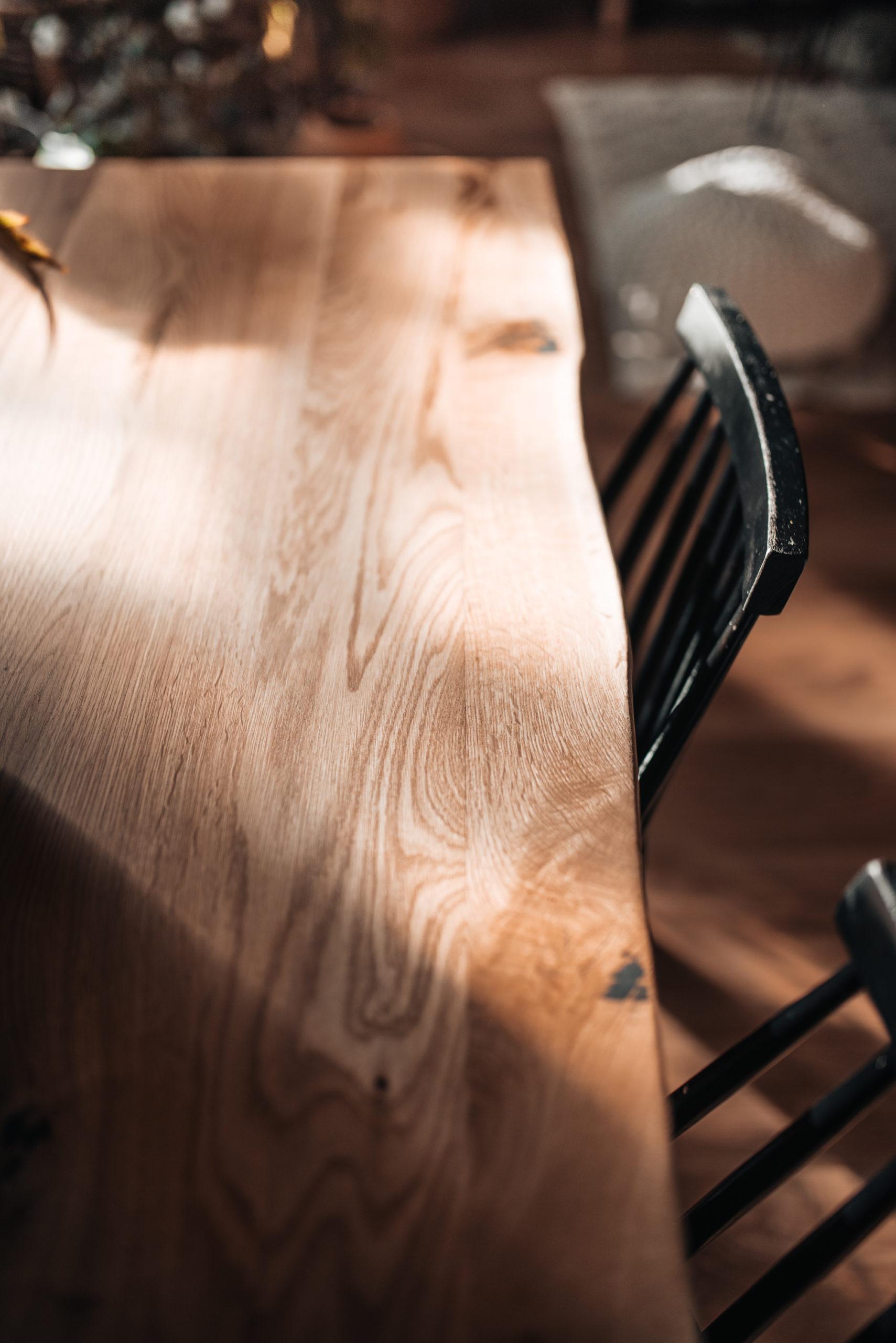 itsetehty lankkupöytä